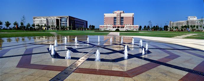 科技大学2017年度新建的校园操场和运动会跑道